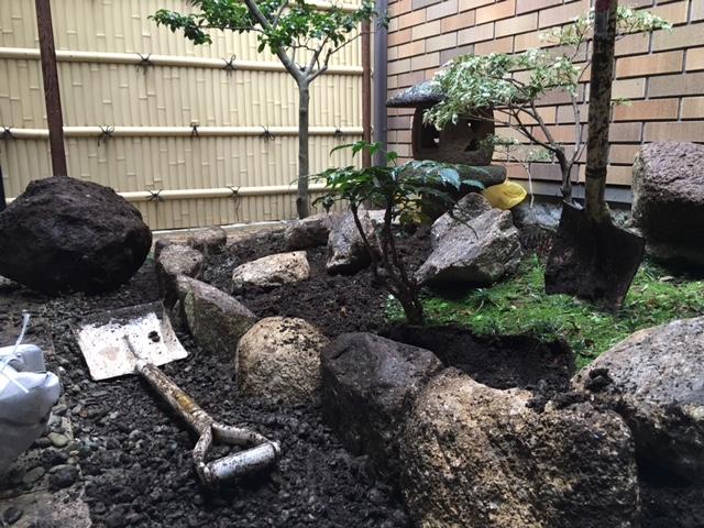 堆肥 敷き詰め